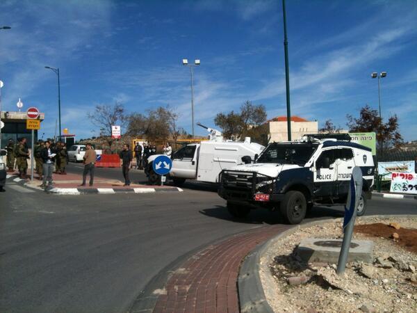 Le forze militari israeliane si preparano alla manifestazione di oggi (Foto: Michele Giorgio/Nena News)