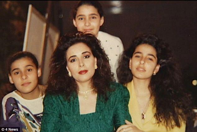 L'ex moglie di re Abdullah, Alanoud al-Fayez, con tre delle quattro figlie