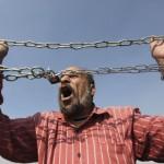 EGITTO. 683 Fratelli Musulmani condannati a morte, fuorilegge il movimento 6 Aprile
