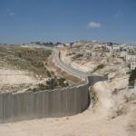"""ISRAELE. Al via la costruzione del nuovo muro """"contro i rifugiati"""""""