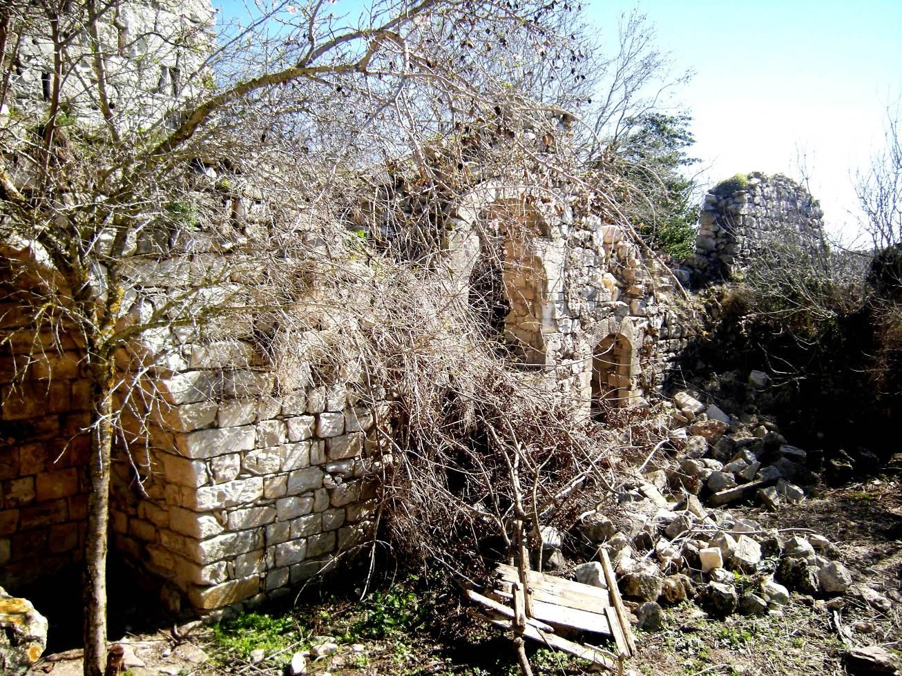 Le rovine di Kufr Bi'rem (Foto: Chiara Cruciati)