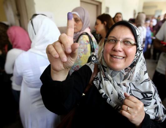 woman_voting
