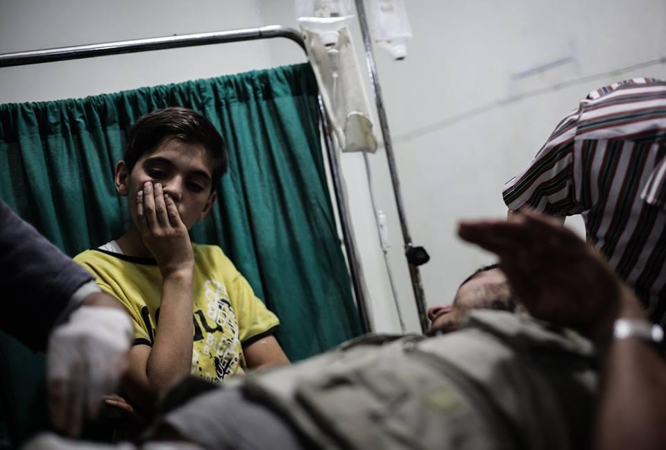 Foto di civili feriti scattata a Douma (Damasco) lo scorso 7 giugno dal fotografo siriano Abd Doumany