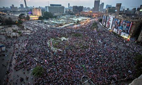 Sostenitori di al-Sisi si radunano a piazza Tahrir per festeggiare la sua vittoria presidenziale