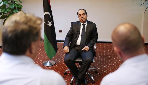 Il neo premier libico Maiteeq (Foto: REUTERS/Ahmed Jadallah)