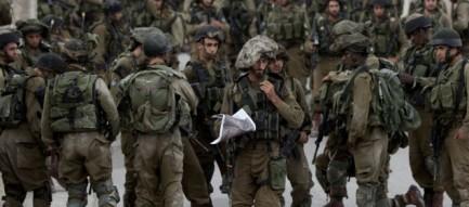 Decine di militari israeliani impegnati nel sud della Cisgiordania (foto AP)