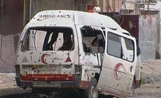 Ambulanza colpita dal fuoco israeliano