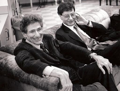 Edward Said, a sinistra, insieme al poeta palestinese Mahmoud Darwish