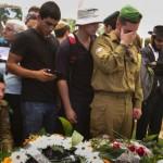 ISRAELE. Una società militarizzata abbraccia il suo esercito