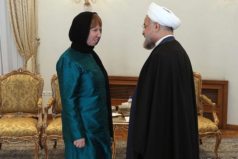 L'alto rappresentante Ue per la politica estera Catherine Ashton, coordinatrice dei negoziati sul nucleare, e il presidente iraniano Hassan Rohani a Teheran, marzo 2014 (Foto: UPI/President.ir/HO)