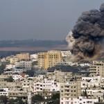GAZA. Sterminata la famiglia Dahrouj. L'appello all'Onu di Meshaal e Abbas