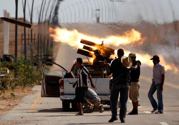 Miliziani nella città di Sirte (foto: arabmilitary)