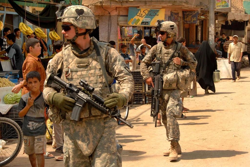 Soldati Usa nel quartiere di Hariyah, a Baghdad, nel 2008 (Foto: Spc. Charles Gill)