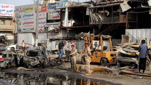 Attentato a Baghdad (Foto: Ap)