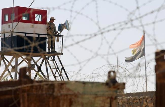 Un soldato egiziano al confine con Gaza (Foto: AFP PHOTO/ Said Khatib)