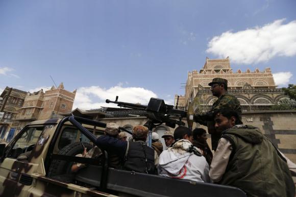 Miliziani Houthi a Sana'a  (Foto: REUTERS/Khaled Abdullah)