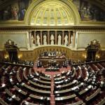 """La Francia riconosce """"simbolicamente"""" la Palestina"""