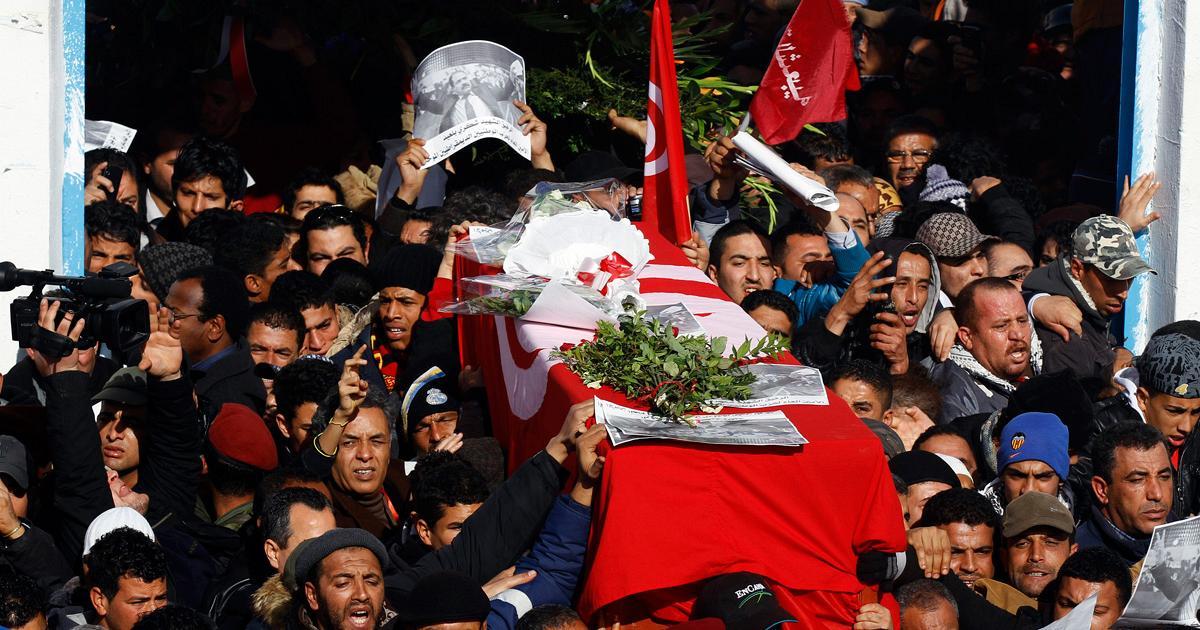 I funerali del leader si sinistra Chokri Belaid, febbraio 2013