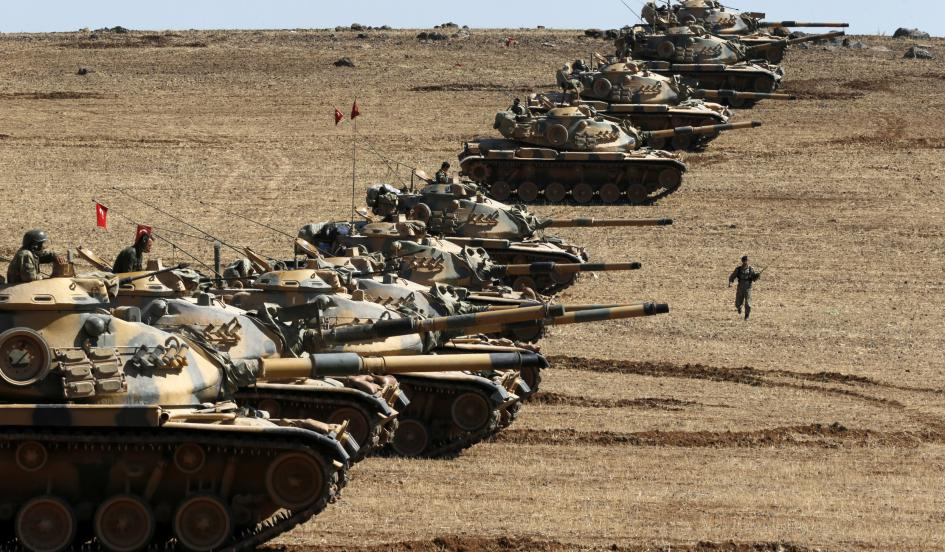 Carri armati turchi al confine con la Siria (Foto:  Umit Bektas/REUTERS)