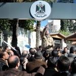 GAZA. Dipendenti pubblici in sciopero, Hamas minaccia di abbandonare il governo di unità