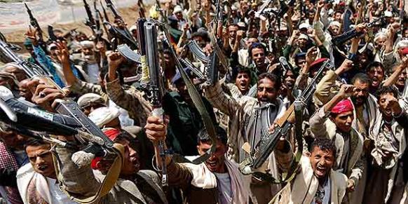 Ribelli Houthi a Sana'a (Foto: Reuters)
