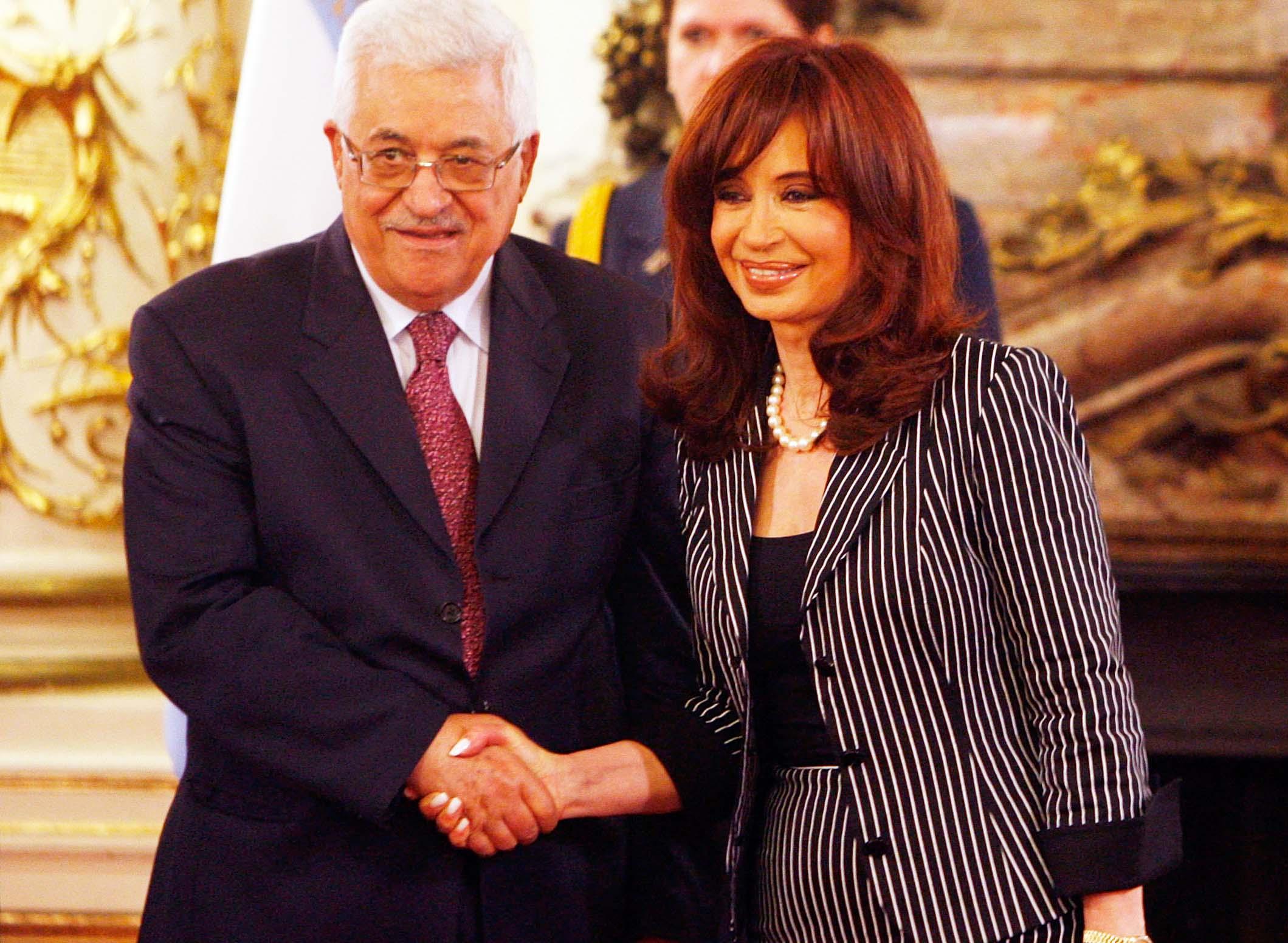 Kirchner con il presidente palestinese Mahmoud Abbas (Abu Mazen)