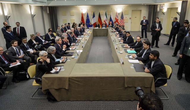 I ministri degli Esteri dell'Iran e delle potenze del 5+1 oggi a Losanna (Foto AFP)
