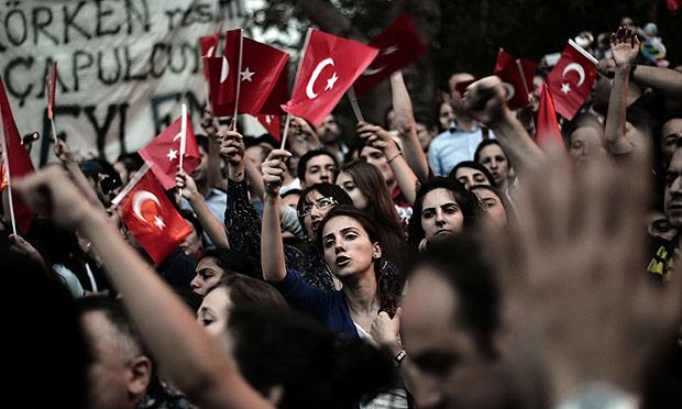 Proteste per Gezi Park, nel 2013. Foto Aris Messinis/AFP/Gett