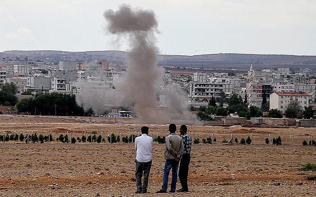 La cittadina di Kobane (Siria) vista dal confine turco (Foto: Getty Images)
