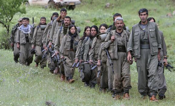 Combattenti kurdi del Pkk (Foto: Reuters/Azad Lashkari )