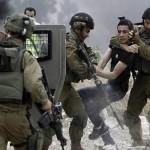 Giovane palestinese ucciso dall'esercito, tensione nei Territori