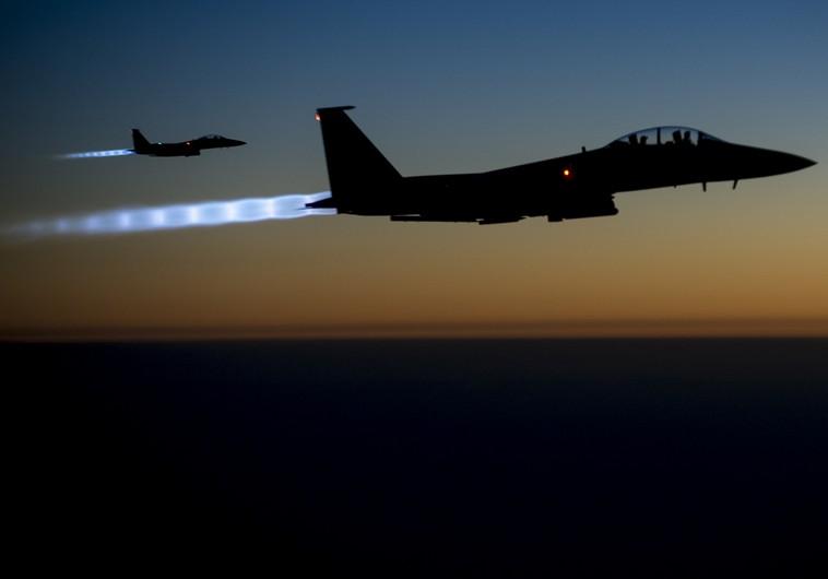 Jet F-15 Usa sorvolano l'Iraq dopo un raid in Siria (Foto: Reuters)