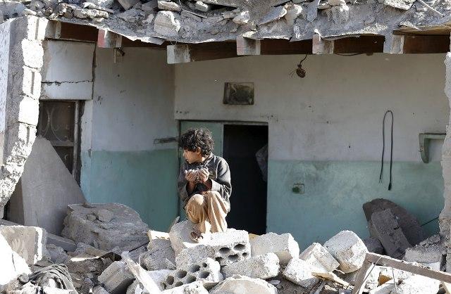 yemen-airstrike-boy