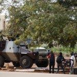 Burkina Faso, la guardia presidenziale non depone le armi