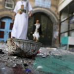 YEMEN. Nuova strage in moschea a Sana'a: decine di morti