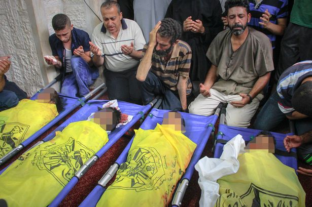 I fratelli Baker uccisi da un missile israeliano sulla spiaggia di Gaza nel luglio 2014