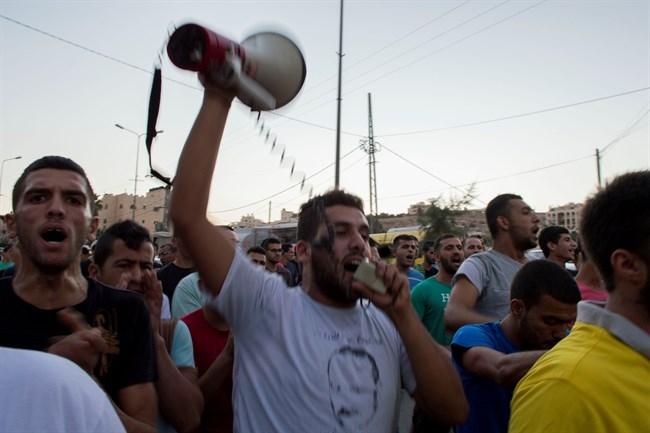 La manifestazione di ieri a Dheisheh contro l'Anp (Foto: Ma'an News)