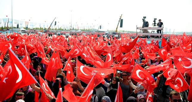 La manifestazione pro-Erdogan di domenica a Istanbul (Foto: AA)