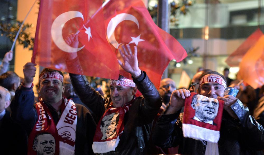 Supporters of Akp (Photo: Deniz Toprak/EPA)