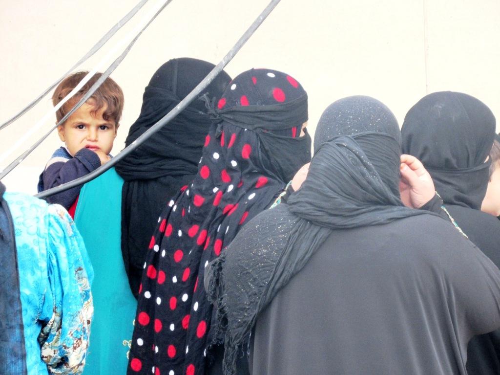 Iracheni sunniti sfollati nel villaggio di Omar a Kirkuk (Foto: Chiara Cruciati/Nena News)
