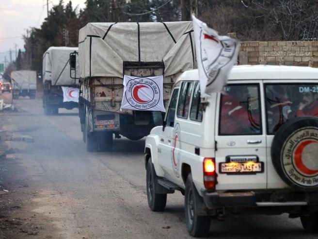 Gli aiuti entrano a Madaya ma restano ancora fuori da Fu'ah e Kefraya