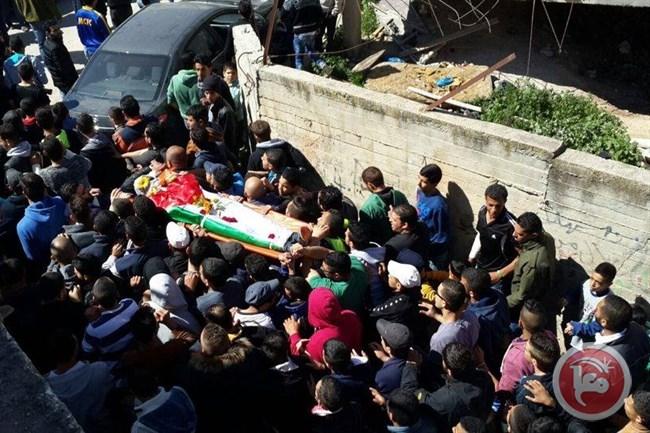 I funerali di Eyad Omar Sajadiya, a Qalanidya (Foto: Ma'an News)