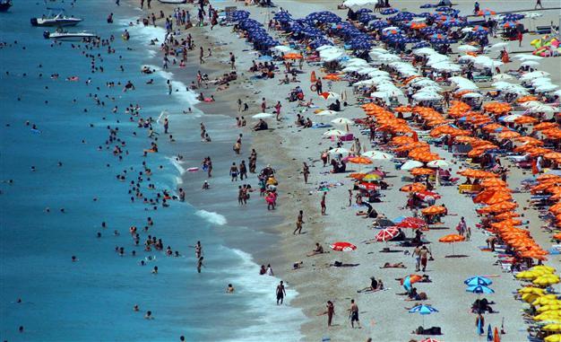Una spiaggia turca (Fonte: http://www.hurriyetdailynews.com/)