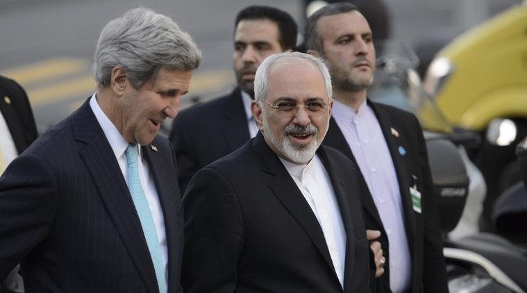 Il segretario di Stato Usa John Kerry (a sinistra) e il ministro degli Esteri iraniano Mohammed Javad Zarif