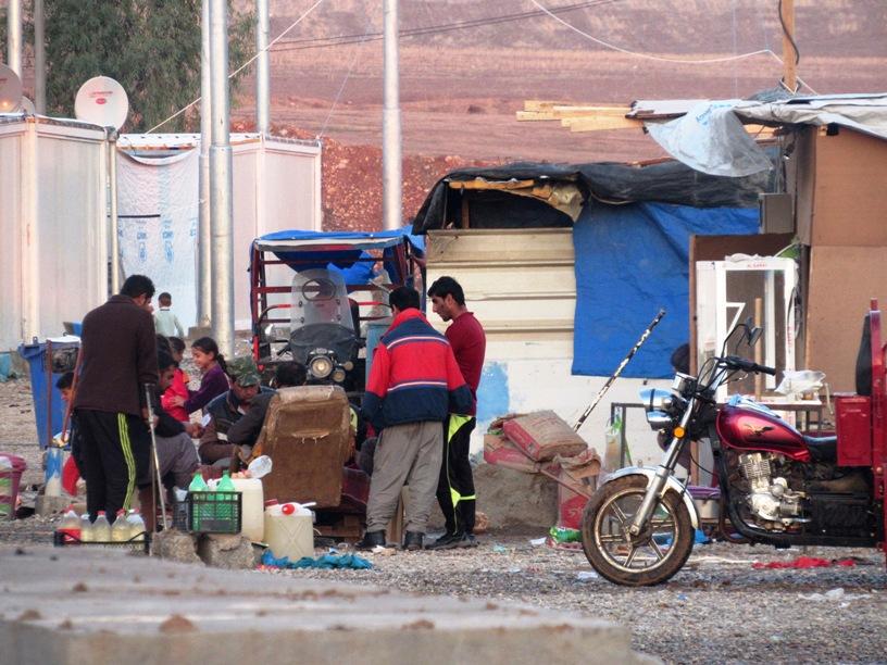 Rifugiati siriani nel campo di Baharka nel Kurdistan iracheno (Foto: Chiara Cruciati/Nena News)