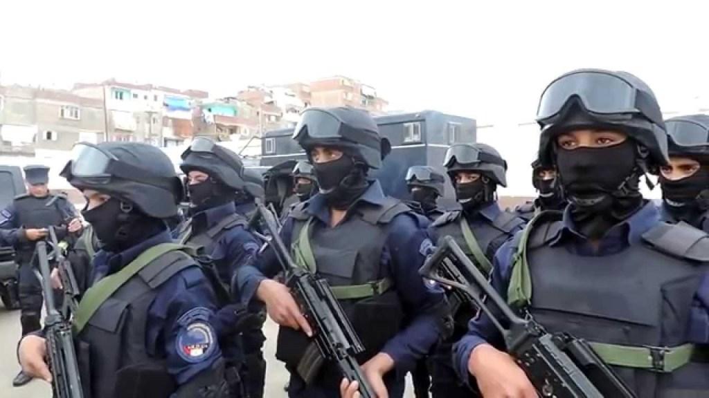 Forze speciali egiziane. Armi beretta AR/70/90. Portaledifesa