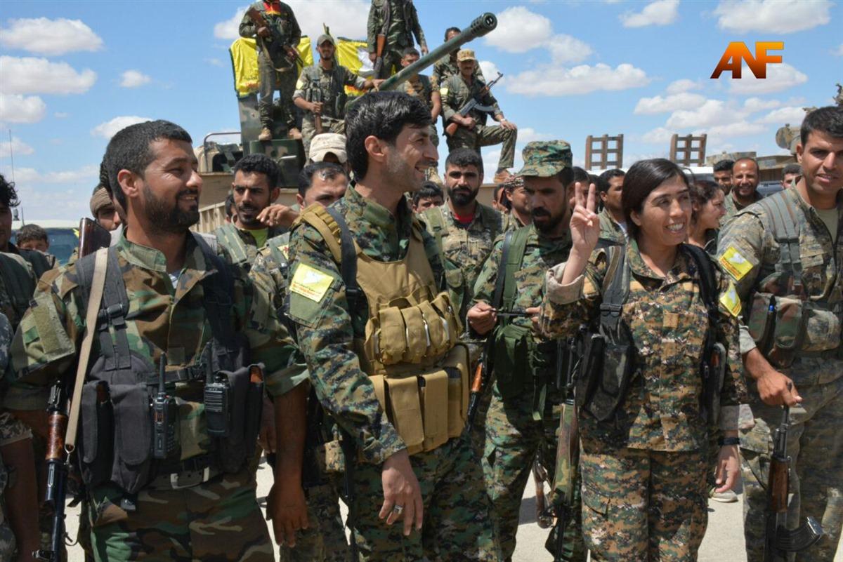Le Sdf annunciano l'inizio dell'operazione su Raqqa (Foto: AnfEnglish)