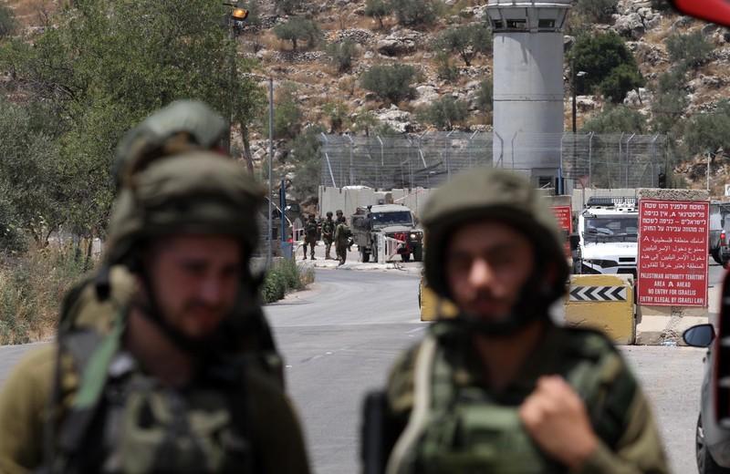 Il checkpoint di Innab dove ieri è stata uccisa Ansar Hussam Harasha (Foto: Nedal Eshtayah/APA images)