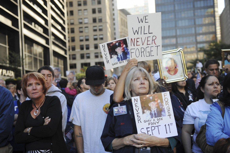 Una manifestazione di parenti delle vittime dell'11 settembre