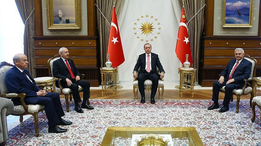 Il vertice di ieri tra il presidente Erdogan e i leader del Chp e del Mhp